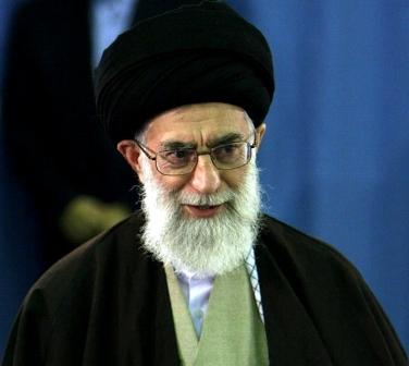 Imam Ali Khamenei: Perhatikan Kaum Muda dan Waspadai Musuh Kalian