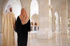 Menelisik Kemungkinan Pasangan Suami Istri Saleh Salihat Hidup Bersama Dunia Akhirat